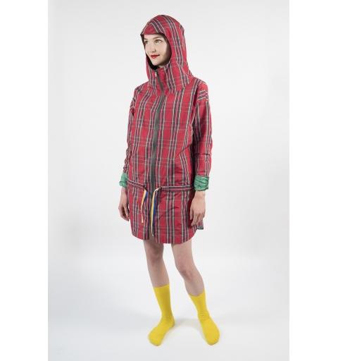 Czerwony płaszcz przeciwdeszczowy w kratę - Momuk