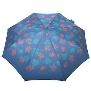 liście klonu - niebieskie